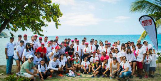 Coca-Cola FEMSA Venezuela recolecta desechos de Playa Los Caracas.