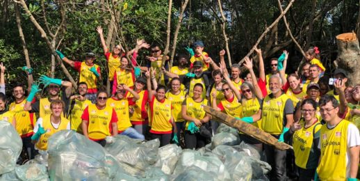 Coca-Cola FEMSA Brasil atua na limpeza de rios e praias.