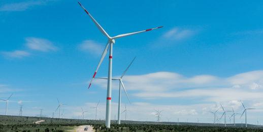 En Coca-Cola FEMSA transformamos nuestras operaciones usando energía renovable.