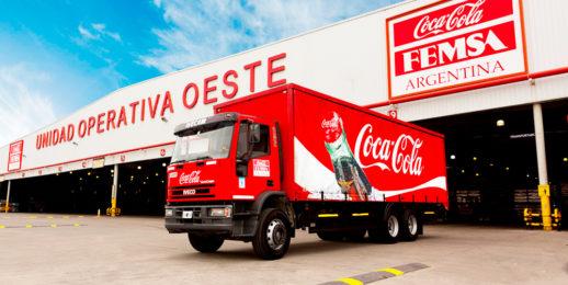 Coca-Cola FEMSA, primera empresa en Argentina que planea alcanzar el 100% de energía renovable en alianza con YPF Luz.