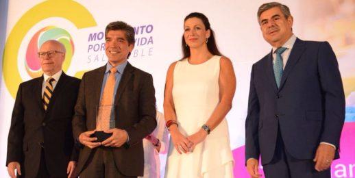 """Coca-Cola FEMSA recibe el """"Galardón de Oro 2017"""""""