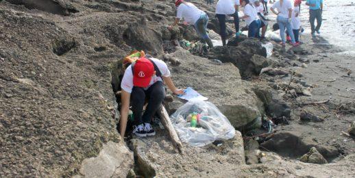 Coca-Cola FEMSA y la Gran limpieza de playas, costas y ríos en Panamá.