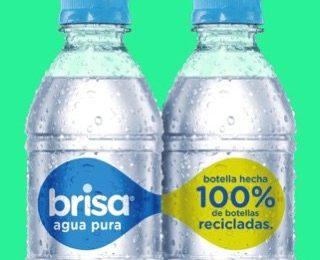 Contamos con el permiso del INVIMA para fabricar en Colombia la primera botella de agua Brisa hecha 100% de plástico proveniente de botellas recicladas.