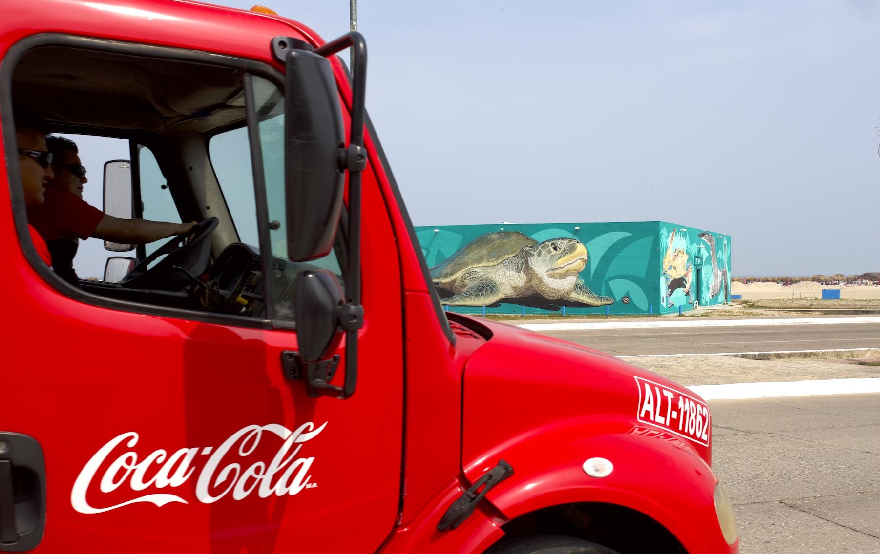 Por 9ª ocasión consecutiva Coca-Cola FEMSA recibe el reconocimiento: Transporte limpio.