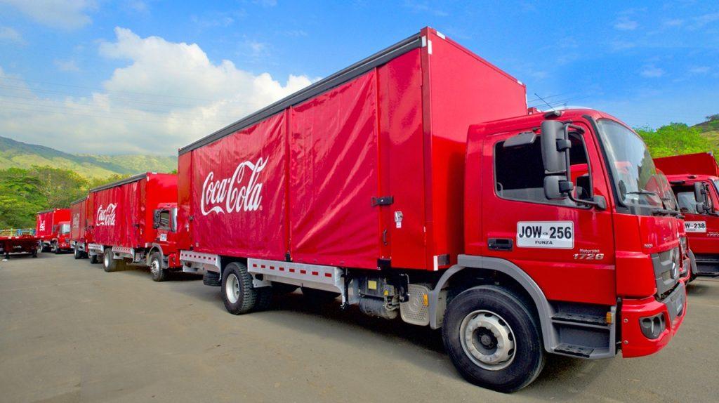 coca cola femsa colombia flota sustentable camiones daimler mercedes benz
